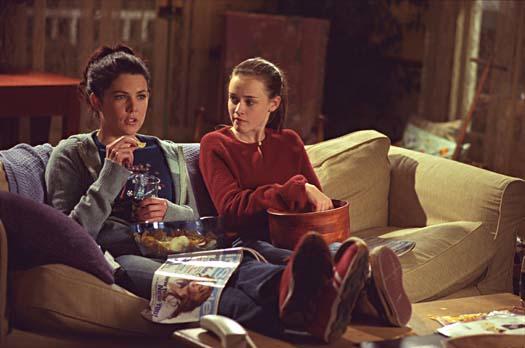 Lorelai-and-Rory-living-room