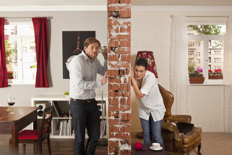 Zajos a szomszéd? Ezek a legjobb megoldások a panellakás hangszigetelésére