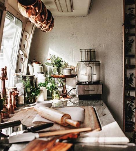 Nem is olyan kicsi az! 11 ötlet kis konyhák okos elrendezéséhez