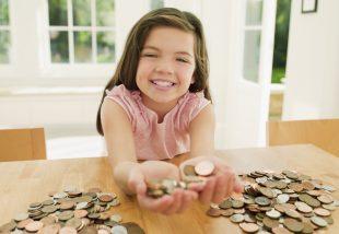 Ezt az 5 fogalmat magyarázd el, mielőtt zsebpénzt adsz a gyereknek