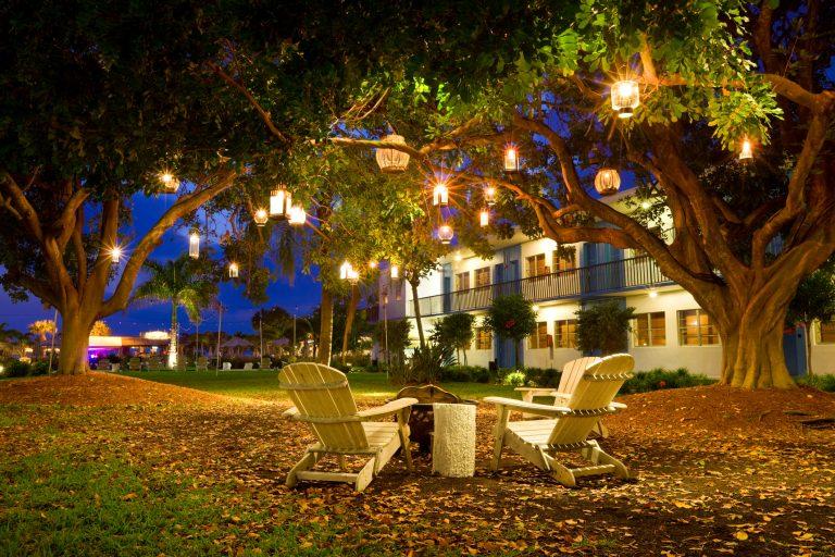 Romantikus fények a kertben! Inspirációk az udvari világítás megtervezéséhez