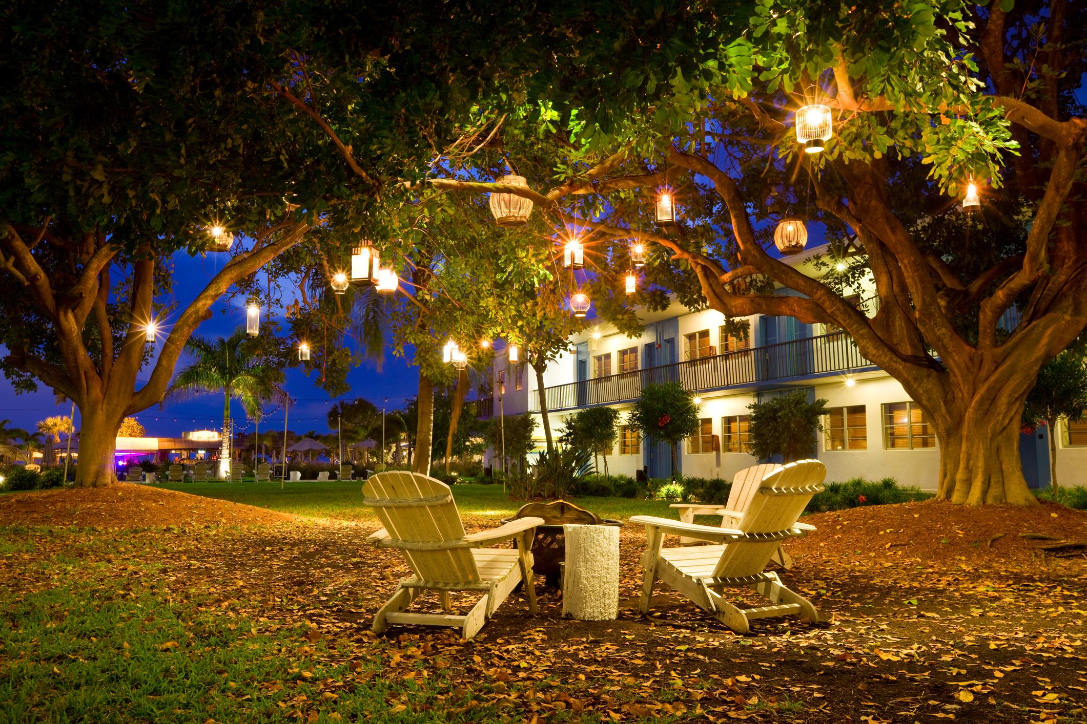 Fundamenta – Otthonok és megoldások Romantikus fények a kertben! Inspirációk az udvari világítás ...