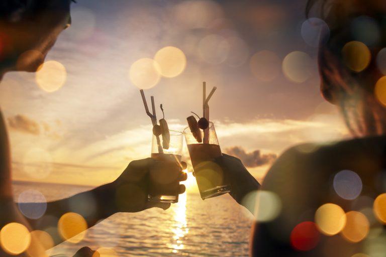 Legyen olyan a nyarad, mint egy trópusi vakáció! Nyárhozó színek a lakberendezésben