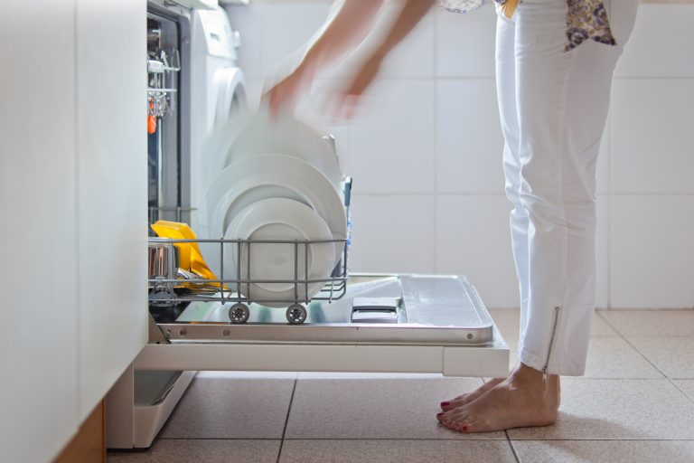 Tisztítsd meg a mosogatógéped természetes anyagokkal!