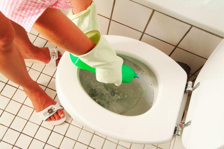Így tartsd tisztán a toalettet könnyen és egyszerűen!
