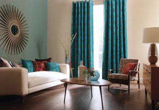 Drámai hatás: Kék textilek a lakásban