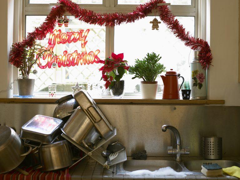 A kevesebb néha több karácsonykor is! Visszafogottan díszített karácsonyi konyhák