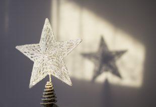 Ez csúcs! Így ékesítsd a karácsonyfa tetejét!