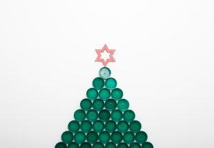 REkarácsony! Vidám és színes karácsonyfák az újrahasznosítás jegyében