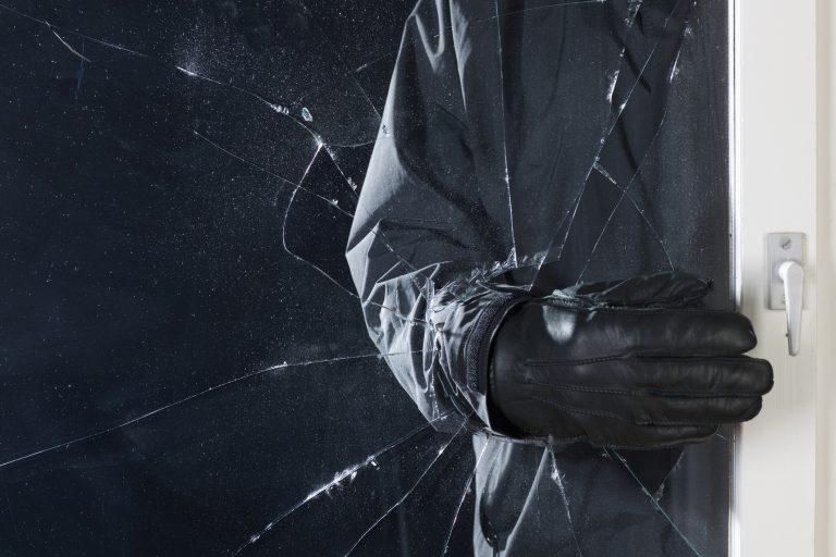 El a kezekkel! 10 jó tanács, mely segít távol tartani a betörőket otthonodtól
