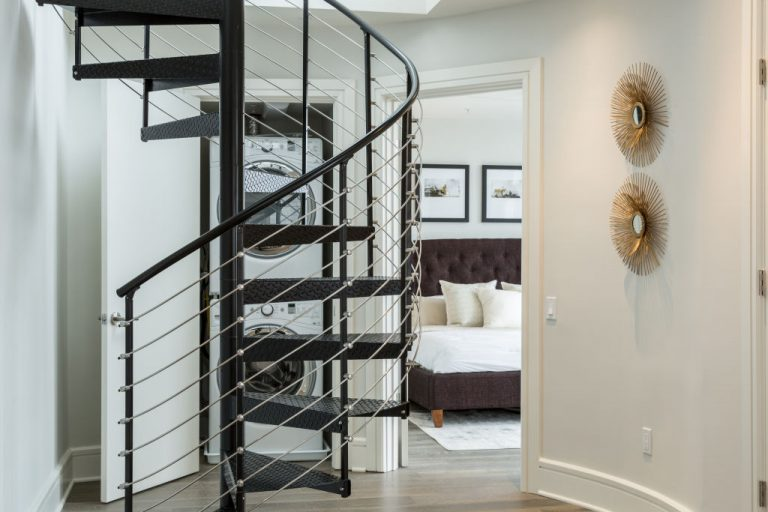 Stílusos lépés! 5 zseniális ötlet arra, hogyan teheted különlegessé lépcsődet