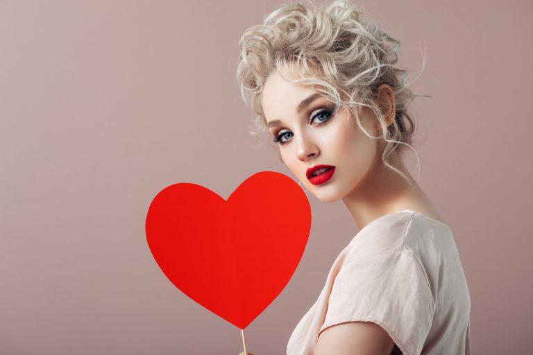 Keretbe foglalt szerelem! Kézzel készült romantikus üzenetek Valentin-napra