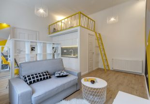 Egy lakásból kettő! Kreatív belsőépítészeti megoldások teli minilakások a Józsefváros szívében