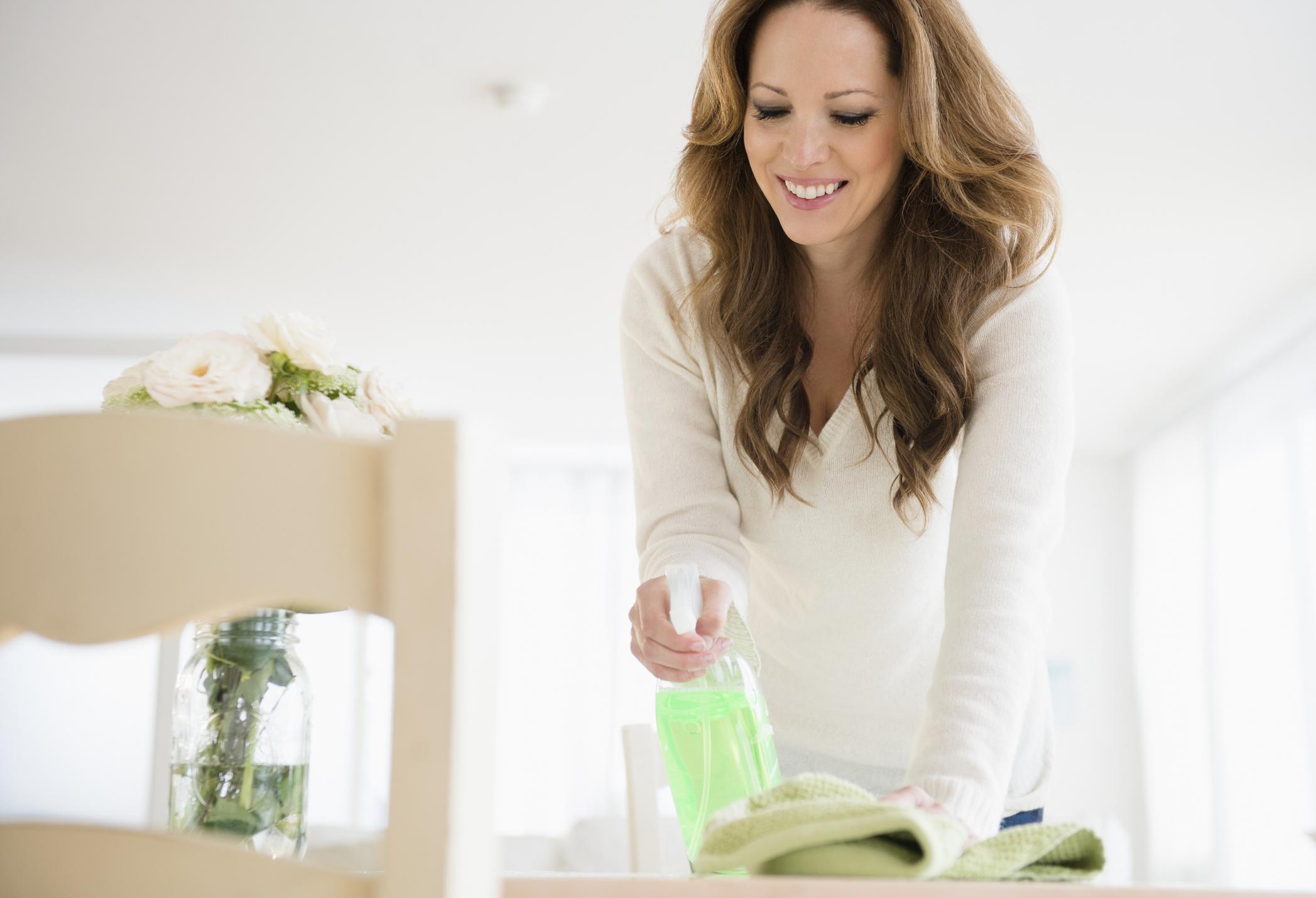 Könnyített lista a lustábbaknak - avagy így úszd meg a tavaszi nagytakarítást!