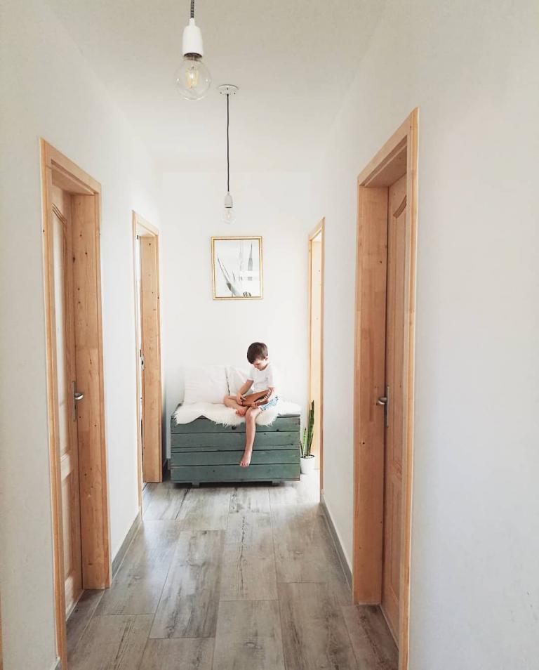 Ebbe a Pest-közeli álomházba várja ötödik gyermekét a népszerű magyar Insta-mami!