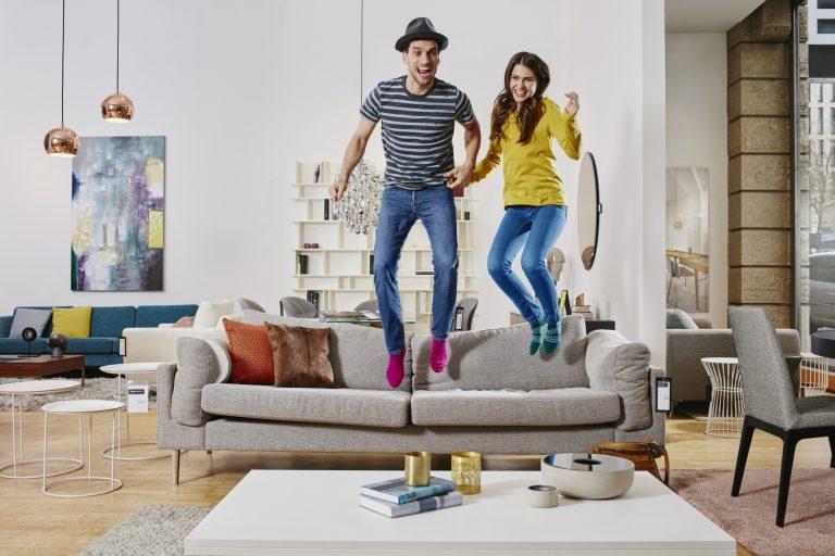 10 bútor, amiről a lakberendezők most azonnal letiltanák az embereket