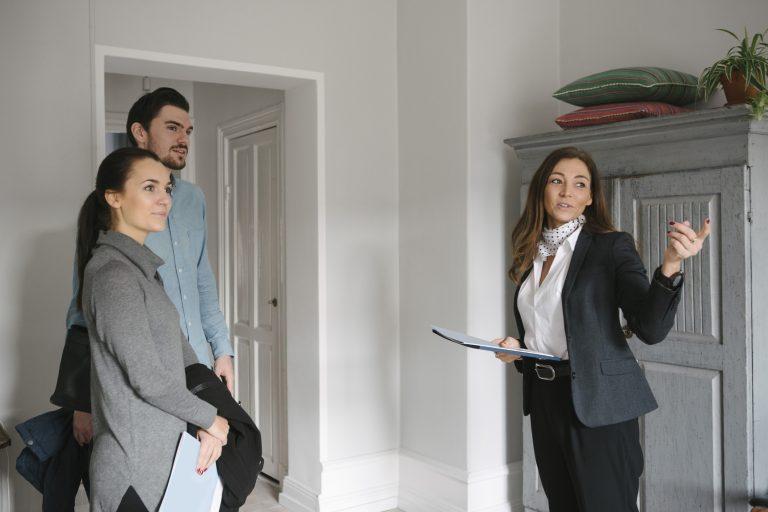 Segítség! Az ő tudásuk sokat érhet lakásvásárlás során