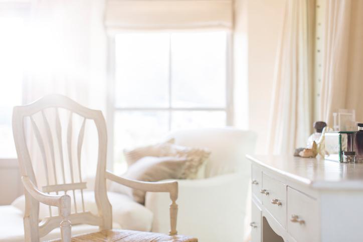 Lépésről lépésre: így csinálj otthon fésülködősarkot!