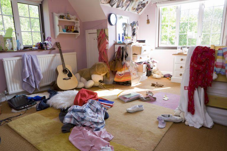 Romos lakás, váratlan vendégek – gyors rend percek alatt