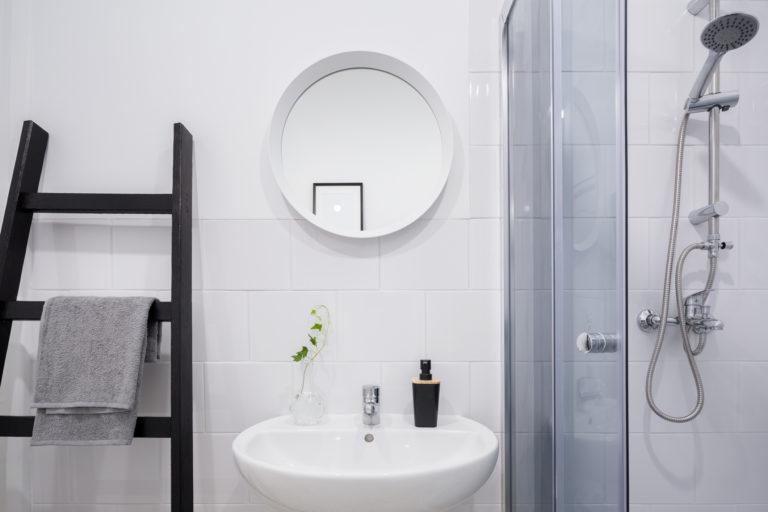 A panel fürdőszoba legjobb tippjei – Fogadd meg őket!