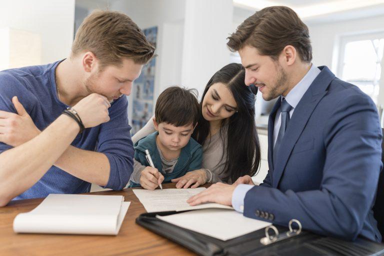 Az ingatlan adásvételi szerződés buktatói – Ezekre nagyon figyelj oda!