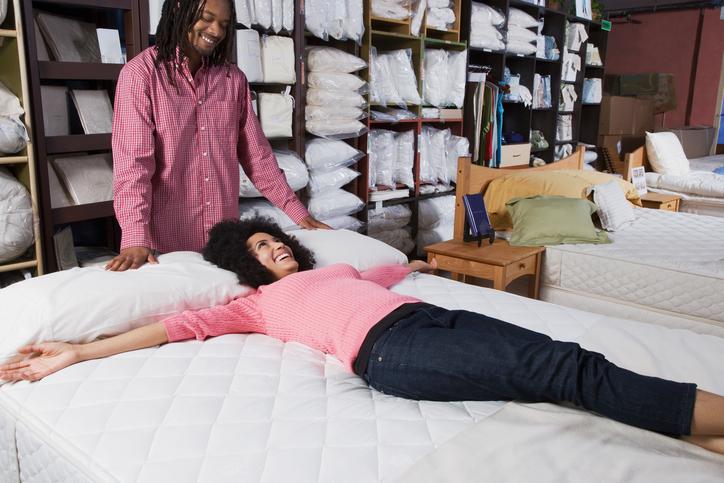 Ki mint veti ágyát… Figyelj oda, ennyi ideig bírja matracod!