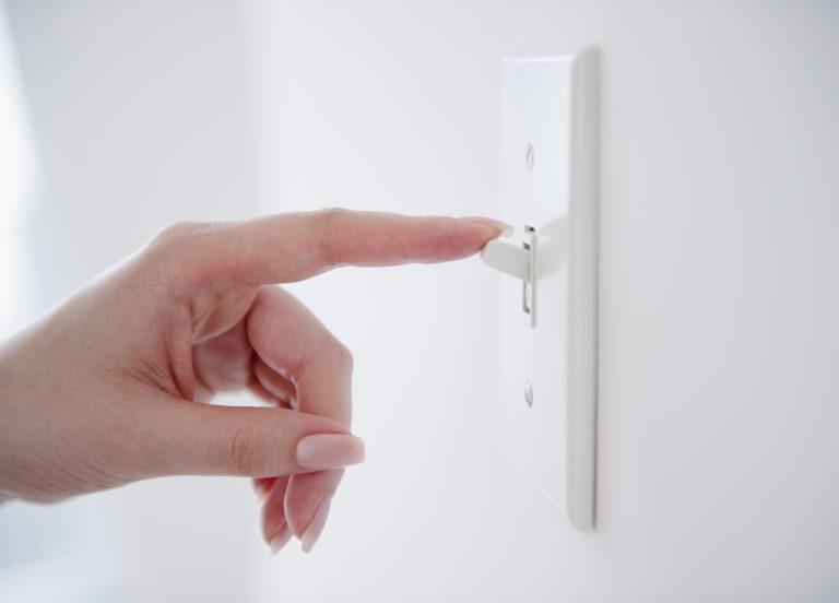 Szemrevaló villanykapcsoló – Dekoráld ezt is!