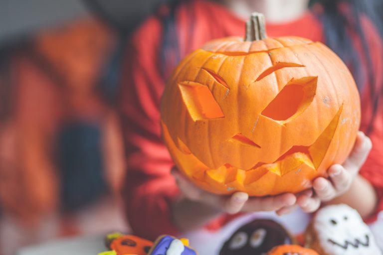 Halloweeni tök, az ünnepi dekor alapkelléke – Íme, a friss trendek