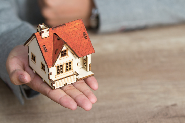 Hogyan tudod gyorsan eladni a házad? Mutatjuk a tippeket!