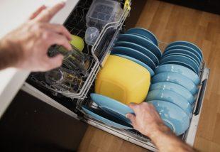 mosogatógép bepakolása