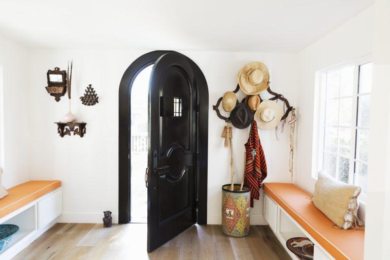 Kicsi előszoba, maximális helykihasználás – Bánj okosan a térrel!