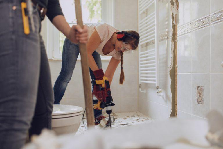 Fürdőszoba felújítás kalkulátor – Ezekkel a költségekkel számolj!