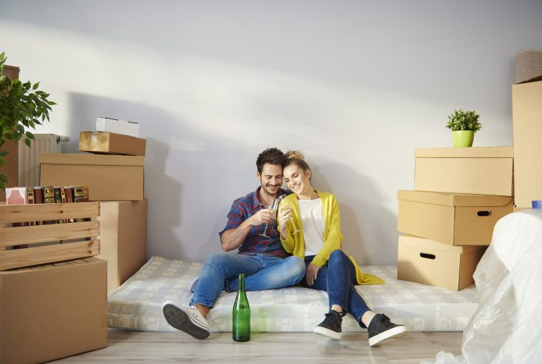 Albérlet vagy saját lakás? Kíváncsiak vagyunk a Te válaszodra!