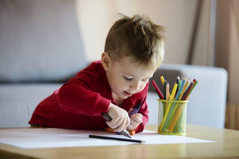 RAJZPÁLYÁZAT! Keresd a mesefigurákat, rajzold le őket, és NYERJ könyvet alkotásoddal!