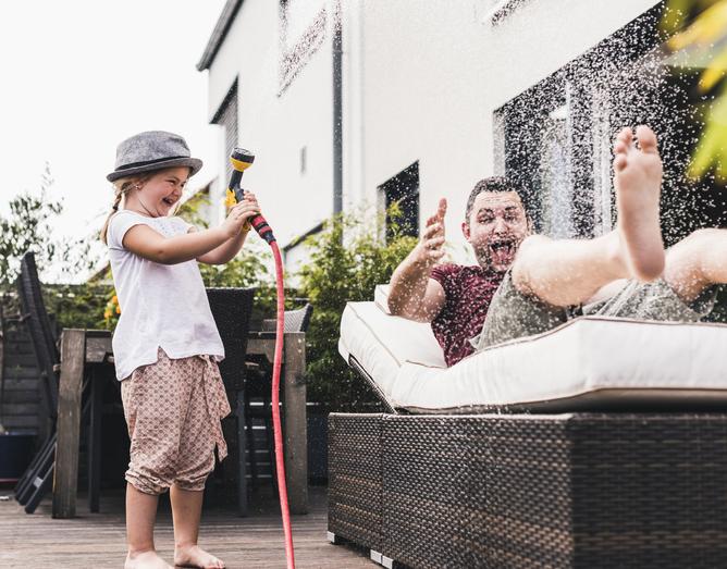 DIY kerti bútorok – 5 szupergyors ötlet a szezonkezdetre