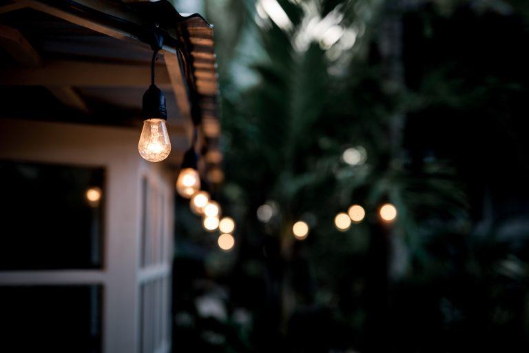 Milyen kerti lámpa illik az otthonodba? Most kiderül!
