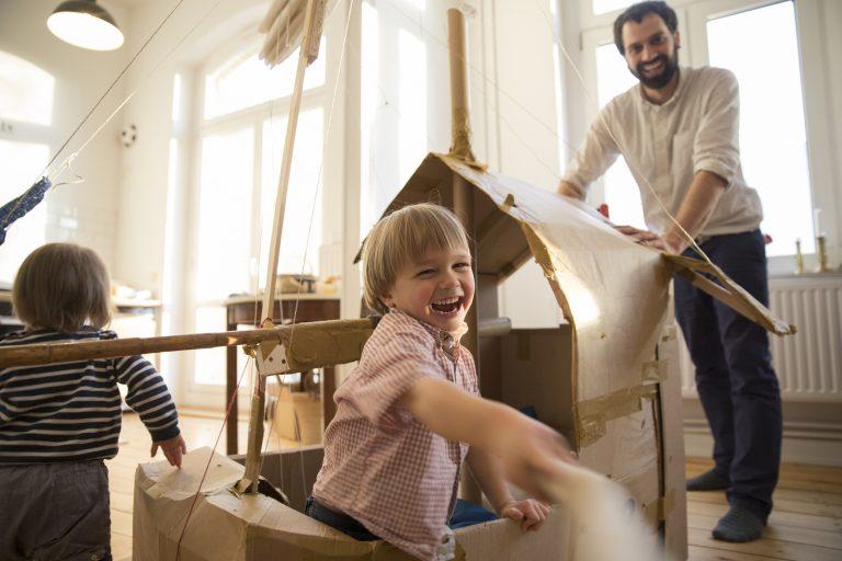 A legjobb otthoni DIY ötletek, hogy a gyerekek se unatkozzanak nyáron