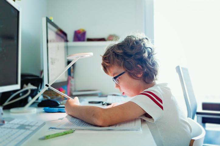 5 tipp a zökkenőmentes iskolakezdéshez – INGYEN letölthető órarenddel