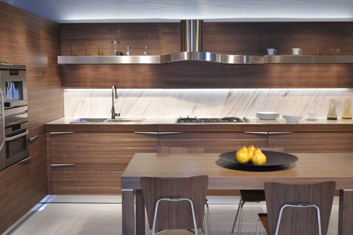 3 nyomós érv a barna konyhabútor mellett – Ezt a döntést nem fogod megbánni!