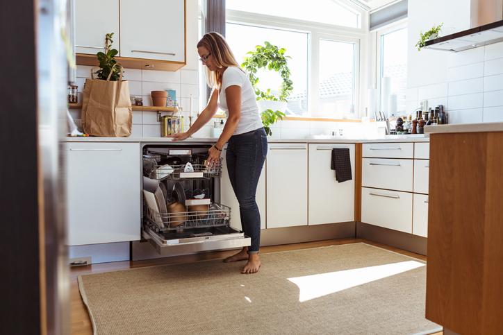 Így lesz ragyogóan tiszta a mosogatógéped – Hatékony és környezetbarát tippek
