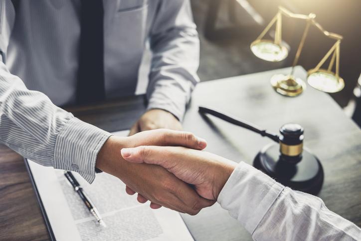 Erről soha ne feledkezz meg egy ingatlan vásárlásakor: az ügyvédi munkadíj