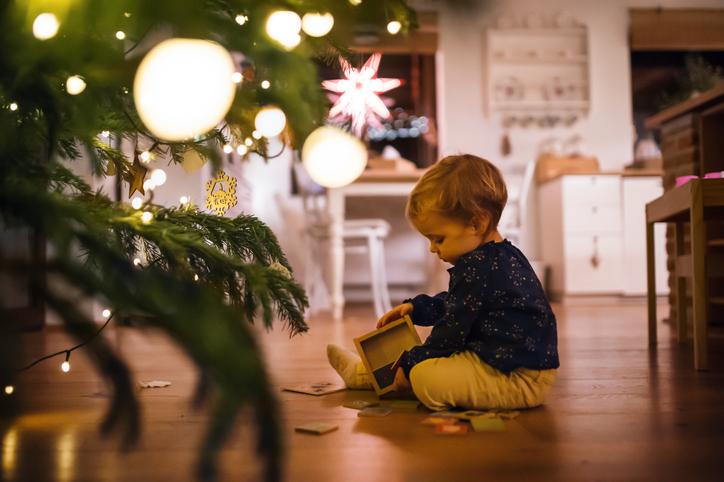 9 egyszerű karácsonyi dekorációs tipp gyerekeknek