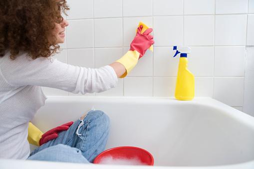 Csempe tisztítása mesterfokon – Így csináld, hogy könnyen menjen