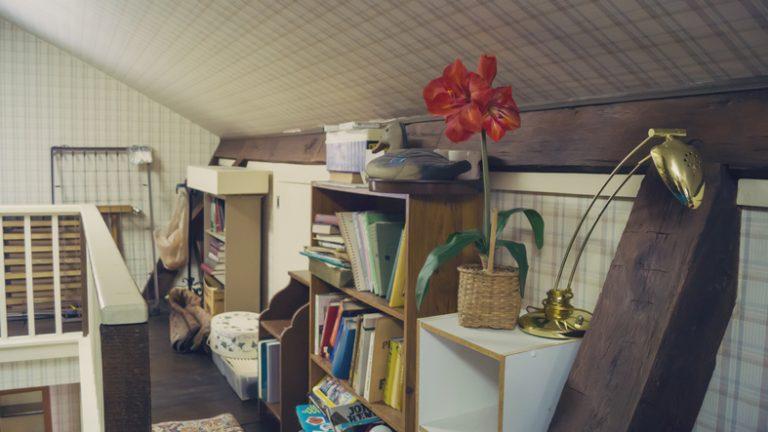 Poros padlásból praktikus tároló – Íme, 3 szuper ötlet