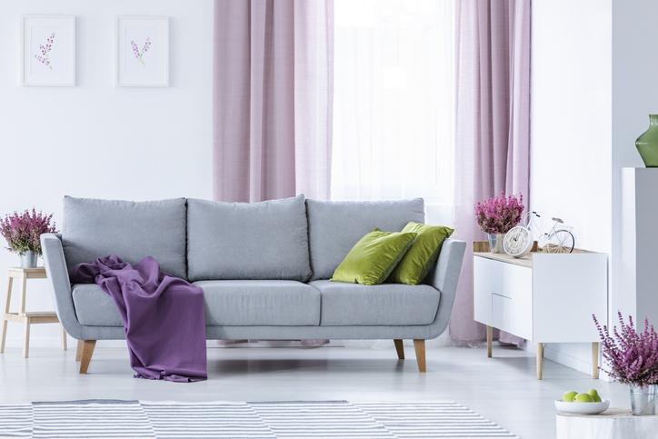 Ez a lakás maga a lila mennyország!