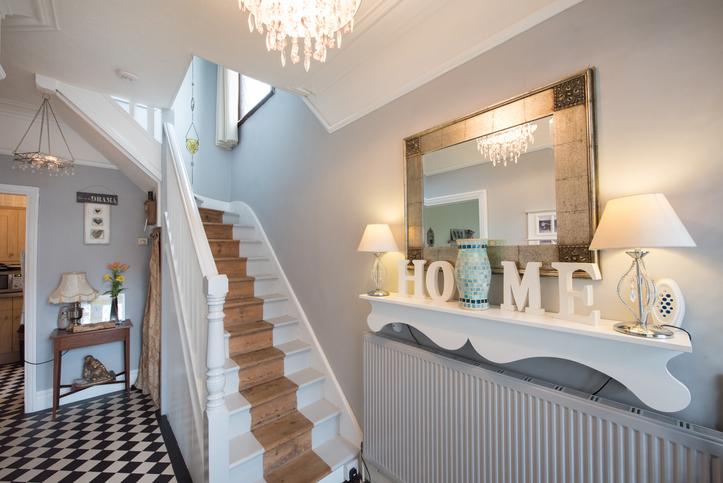 Emeletes házban élsz? Akkor ez az 5 szuper lépcsődekor ötlet neked szól