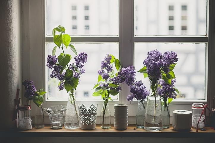 Tavaszi ablakdíszek – Borítsd virágba az otthonod!