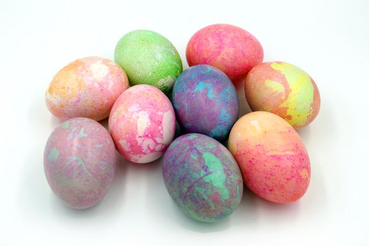 5+1 húsvéti tojás díszítési módszer, melyet kisgyerekkel is könnyen bevállalhatsz