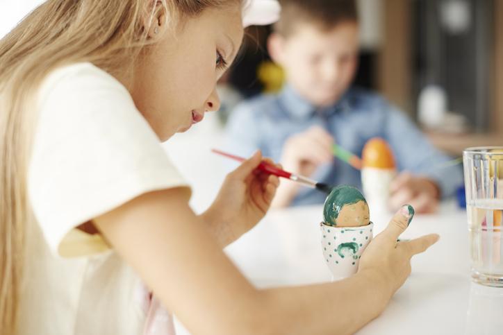 Húsvéti tojásfestés természetes anyagokkal – Zöldségekkel színezve