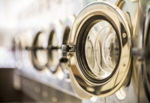 5 tuti trükk a mosógép tisztításához – Így tüntesd el a kórokozókat és a vízkövet